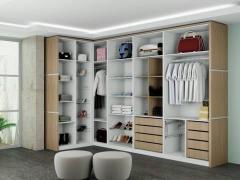 Organize roupas e sapatos no armário oucloset